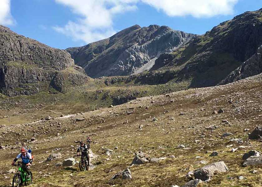downhill-decent-torridon-mountain-biking